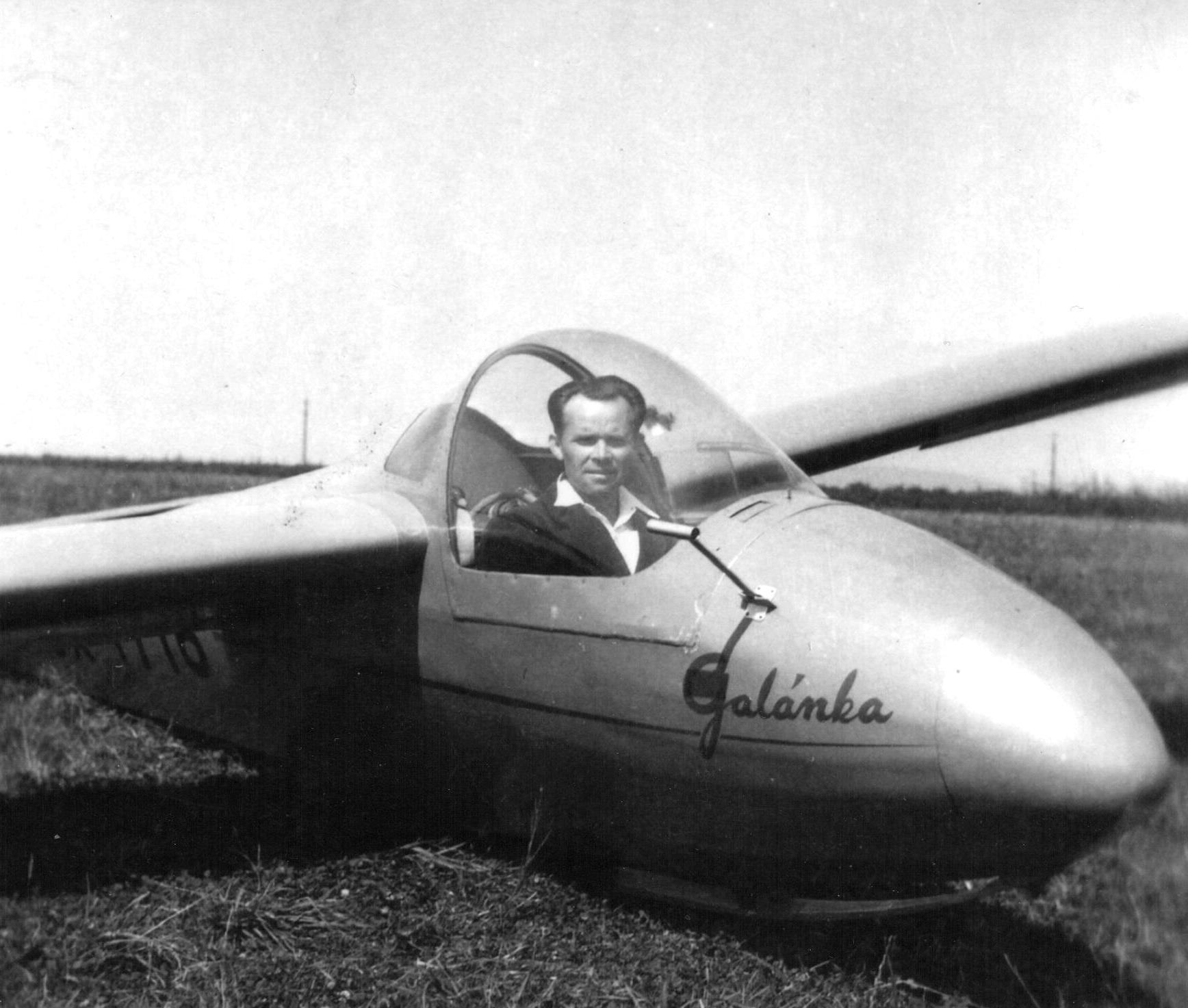 Jar. Hamala ve větroni Z-124 Galánka